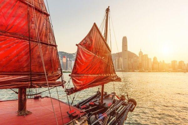 香港市場は好地合い継続か、引き続き好調な海外市場が追い風に