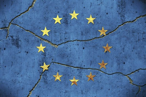 静かに響く「EU崩壊」の足音:元凶に共通通貨「ユーロ」の問題