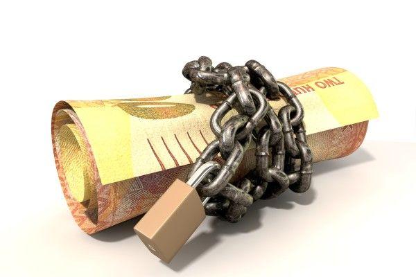 南アフリカランドが急落。格付けは、南アに「投資する価値なし」