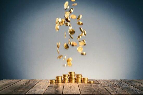 米株価は不安定だが「金」は2カ月ぶりの安値。「原油」は2カ月ぶりの下げ幅