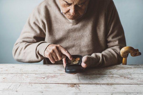 年金法改正、厚生年金支給65歳へ【24年前の11月2日】