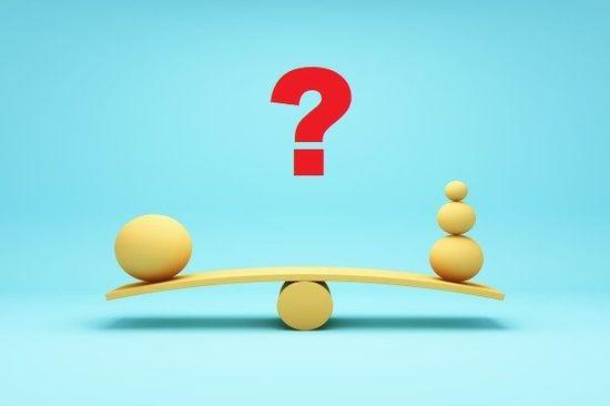 選ぶなら、どっちの投資信託?バランスファンドvs.インデックスの複数保有