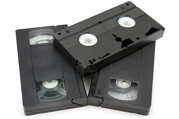 ベータ規格ビデオ機の生産終了【16年前の8月27日】