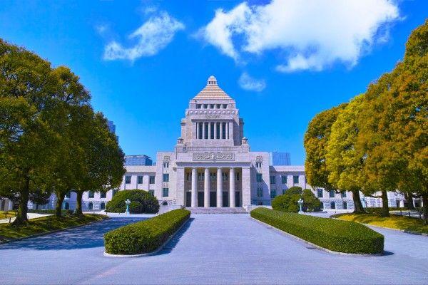 新党躍進、既存政党に不信感【1993(平成5)年7月18日】