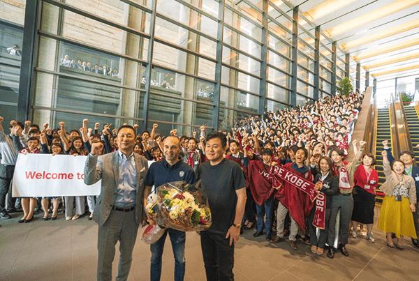速報2:歓迎の波!イニエスタ選手、Jリーグ協会や楽天本社を訪問(2018年5月25日取材)