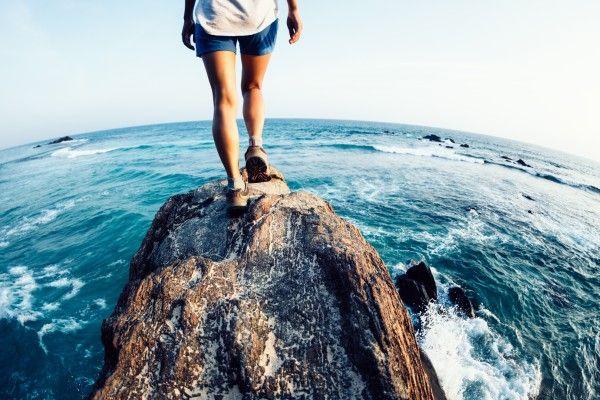 先行上昇の日経平均は「水平線(2万2,000円)上のストラテジー」。楽観ムードに水を差す展開には要警戒