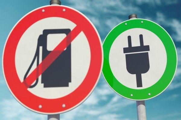 従来の自動車メーカーは電気自動車の脅威を受けるが、株価は割安