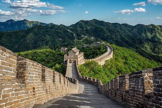 ハンセン指数は3.6%高と反発、上海総合指数は0.4%高