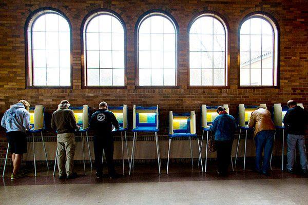 日経平均急反発でも、短期的な下値リスクは払拭できず。米中間選挙に注目