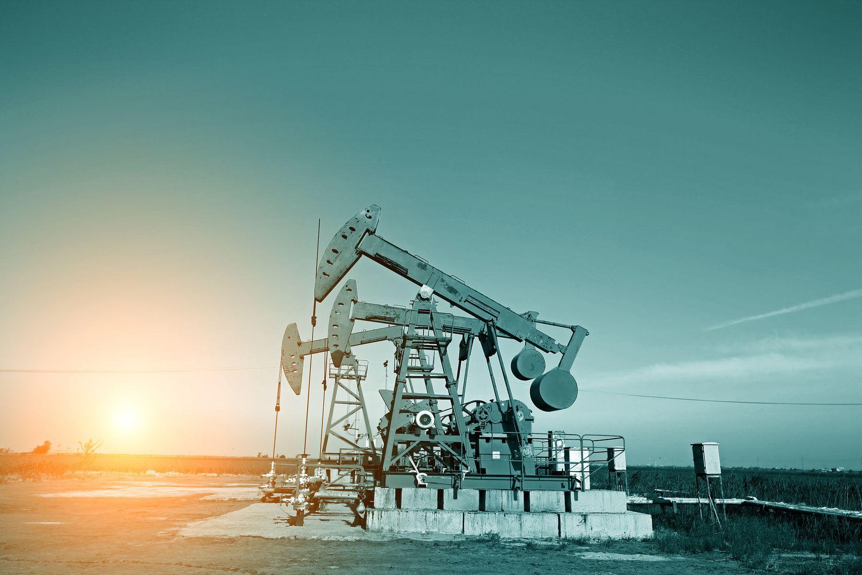 弱材料の継続と強材料の芽。原油市場はどこへ向かう!?