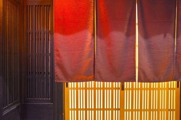 高級料亭「船場吉兆」が廃業【2008(平成20)年5月28日】