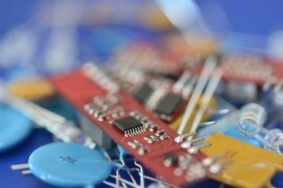 決算レポート:ASMLホールディング(EUV露光装置に対する需要が強い)