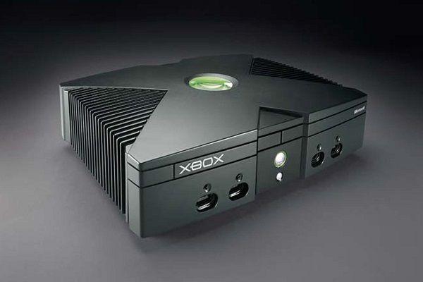 マイクロソフトがゲーム機Xbox発売【2001(平成13)年11月15日】