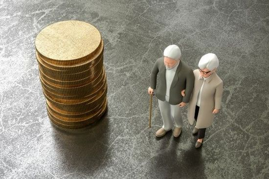 資産運用において「高齢であること」の意味